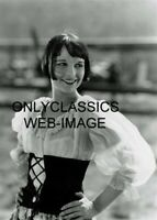 SMILING BUBBLY SUPER SEXY LOUISE BROOKS LULU PHOTO HANDS ON HIPS-SHEER SHIRT TOP