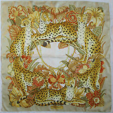 -AUTHENTIQUE Foulard  SALVATORE FERRAGAMO soie TBEG  vintage Scarf  88 x 88 cm