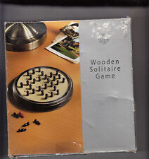 WOODEN SOLITAIRE GAME, , SWIVEL STORAGE CASE hOLDS 33 PEGS EUC - GREAT GIFTS