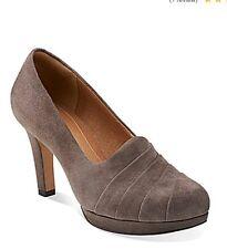 Clarks Delsie Joy Suede Heels Dark Taupe Size 8.5 NIB