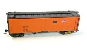 HO Vintage InterMountain Milwaukee Road Reefer 37704