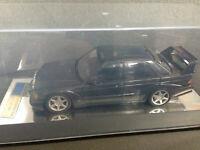 Mercedes Benz 190 E 2.5-16 EVO II + Vitrine und Emblem Autoart EVO 2 Dealer 1:18