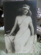 Glamours Beauty - Reutlinger 4755.5 Postcard