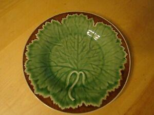 SET 4 MAJOLICA BORDALLO PINHEIRO NEW VINE GRAPE LEAF SALAD PLATES GREEN/BROWN