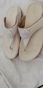 Fitflops Size 6/39 ,White Toe Post / Thong Sandals