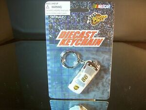 Dale Jarrett #88 UPS 1:87 Ford Taurus Key Chain Winner's Circle
