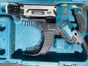 MAKITA 6843 AUTO FEED SCREW GUN 240V.