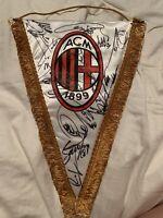 AC Mailand - Original signierter Wimpel 2011 / 2012 - Ibrahimovic, Robinho