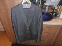 """1970s Covent Garden Collection Grey Two Piece Suit size 40"""" W 36"""" L33"""""""