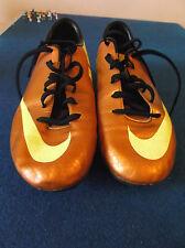Nike Mercurial chaussures de football taille 5 or et jaune avec Vis en Clous.
