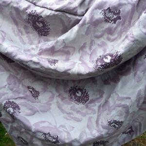 Beautiful ivory mauve curtains 270 X 135cm drop + beads tie back