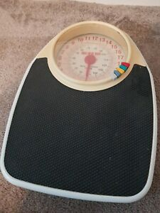 Vintage Retro EKS Sturdy Bathroom Doctor Weighing Scales With Weight Markers