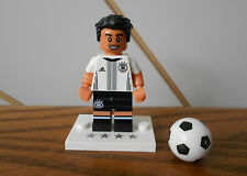 MESUT OZIL minifigure DFB DIE MANNSCHAFT with paper/bag/ball LEGO football