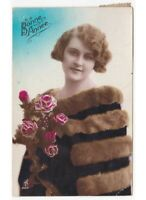1927 Chica Capa Piel Foto Tarjeta Postal Antigua Buon Año Bonne Année