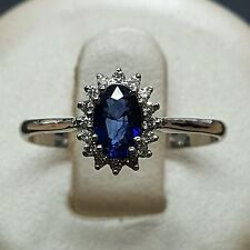 ANILLO KATE ORO BLANCO 18 CT CON DIAMANTE Y ZAFIRO NATURAL - COMPROMISO
