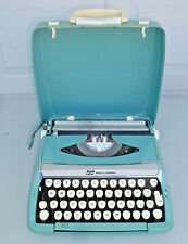 VTG Smith Corona Corsair Deluxe PORTABLE MANUAL TYPEWRITER Aqua W/ SHELL CASE
