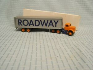 Winross Roadway Tractor Trailer 1/64 White 9000 Cab Early MIB Orange Cab Silver