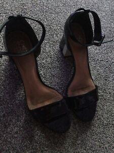 moda in pelle sandals size 6
