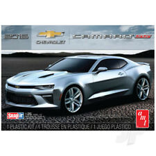 AMT 1:25 2016 Chevy Camaro SS Snap (Red) Car Plastic Kit