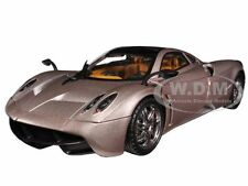 PAGANI HUAYRA CHAMPAGNE GOLD LIMITED ED 1/18 PLATINUM BY MOTORMAX 77160