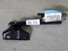 Scharnier Motorhaube links Mazda 626 GF GW GE4T-52-420 GE4T52420