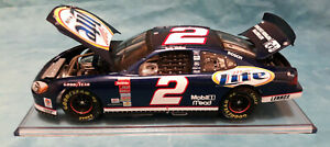 2002 Action Rusty Wallace #2 MILLER LITE 1:24 Diecast-roof camera logo, Used