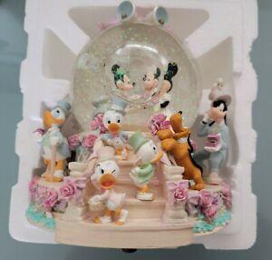 DISNEY MICKEY & MINNIE WEDDING MARCH MUSICAL SNOW GLOBE NEW WITH BOX+TAGS MIB