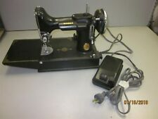 Antique Singer Sewing Machine w/Pedal & Bobbin Untested