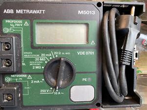 ABB METRAWATT M5013 Gerätetester DIN VDE 0701 mit Transportbox selten Genutzt