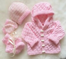 "KNITTING PATTERN TO MAKE 16-22/"" BABY CARDIGAN DK WITH  HAT FRILLED BOOTEES 226"