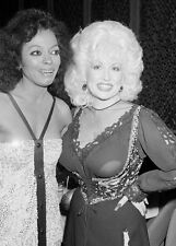 Diana Ross and Dolly Parton UNSIGNED photo - H4086
