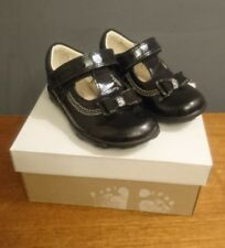 Clarks First Shoes Ella Black Patent Leather T Bars Smart 5 G Lights Baby Girl