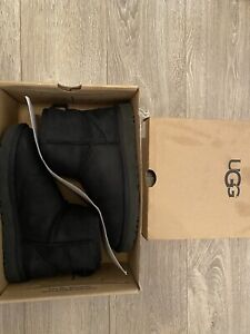 Classic Ugg Ankle Boots Size 6 in Black