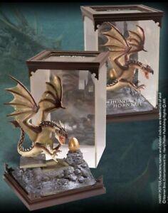 Harry Potter - Créatures magiques - Figurine Dragon Magyar à pointes - Noble Col