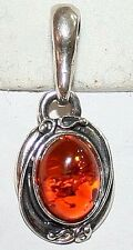 VINTAGE STERLING SILVER OVAL NATURAL DARK HONEY BALTIC CABOCHON AMBER PENDANT