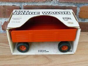 Ertl 1/16 Allis Chalmers Orange Barge wagon