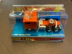 Vintage Champ Of The Road Peterbilt Pacemaker Cabover Diecast Truck 1/50
