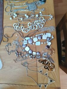 Wuantity Of Siver And Gold Tone Costume Jewellry