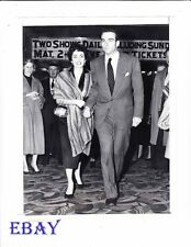 Elizabeth Taylor Montgomery Clift VINTAGE Photo candid 1951 Palace Theater NYC