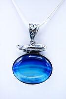 Silberkette mit gerahmten Anhänger aus blauem Achat