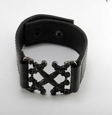 """GUESS BLACK DESIGNER GENUINE LEATHER WITH GUNMETAL FRONT WRISTBAND 8"""" NWOT"""
