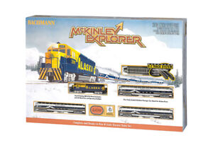 Bachmann N Scale McKinley Explorer Alaskan Train Set w/ EMD GP40 BAC24023
