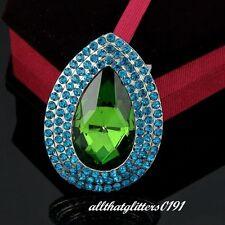 VERDE acqua & Verde GOCCIA Spilla Di Vetro Pietre & Cristalli su un telaio placcato oro.
