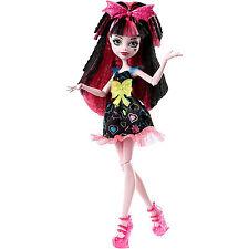 Monster High Electrified Hair-Raising Ghouls Draculaura Doll DVH67