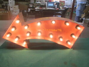 Vintage Industrial Look Light Up Marquee Arrow Rusty Crusty Shabby Look