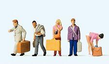 Preiser 10670 H0, Reisende am Bahnhof, 5 Figuren, handbemalt