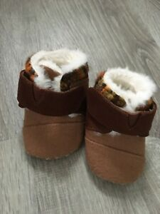 Toms For baby Moccasin Slipper Shoes. Size 2