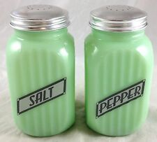 JADITE GREEN GLASS CLASSIC RIBBED RETRO STYLE JADEITE SALT & PEPPER SHAKERS SET