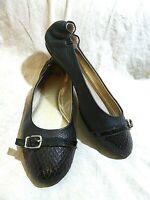 🥿 Sofft Comfort Ballet Flats sz 9 M Black Pebble Leather; Cap Toe; Buckle Strap