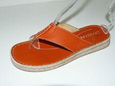 Damen-Sandalen & -Badeschuhe im Zehentrenner-Stil aus Echtleder ohne Muster für Kleiner Absatz (Kleiner als 3 cm)